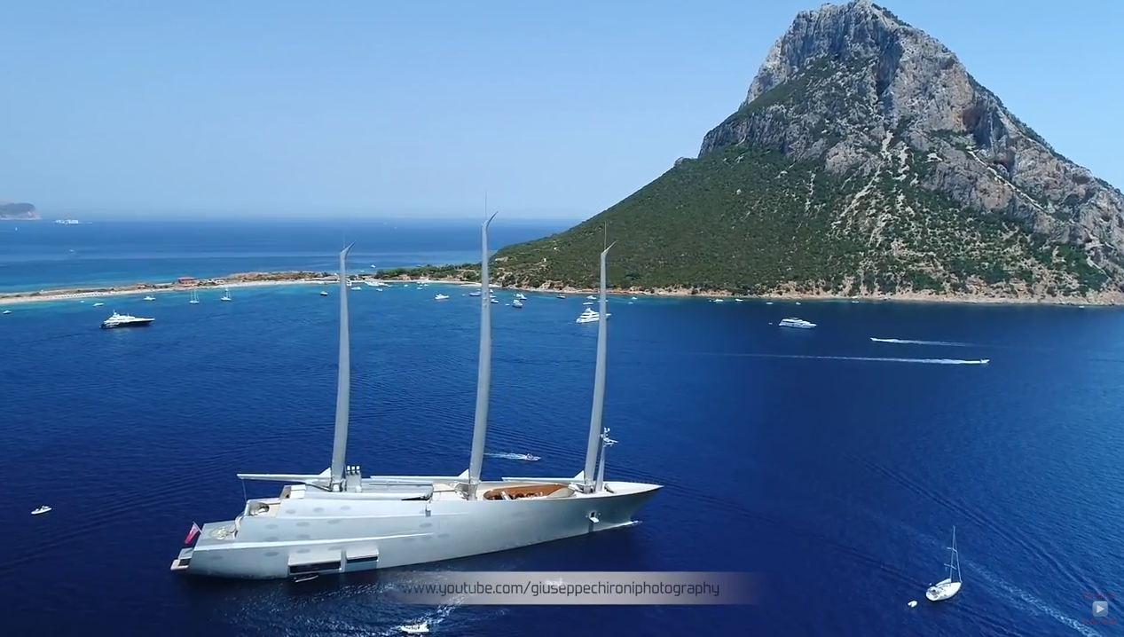 Yacht Con Elicottero Sardegna 2018 : Maxi yacht quot a visita l isola di tavolara video
