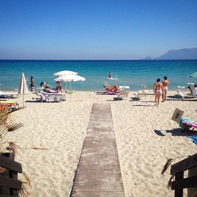 Matrimonio Spiaggia Olbia : Instagram sardegna sì a ottobre si va ancora al mare