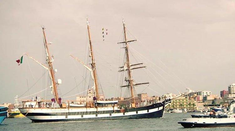 nave-palinuro-a-cagliari