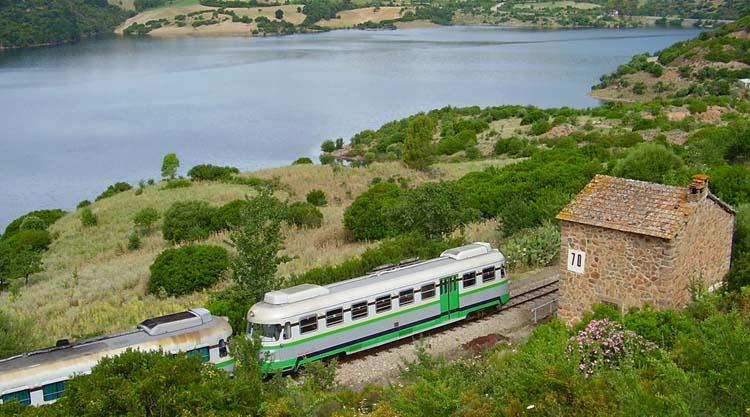 trenino-verde-lago-flumendosa