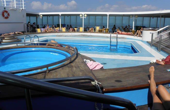 10 consigli per preparare una vacanza in camper in sardegna for Mega express 2 piscine