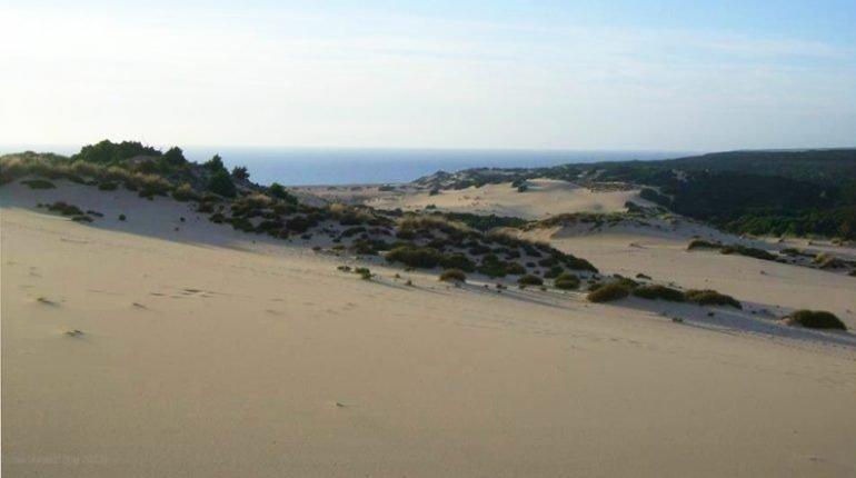 Piscinas tra le 21 spiagge pi belle del mondo per il - Piscina oristano ...